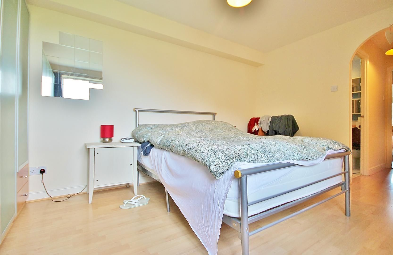 2 bed flat to rent in Wheat Sheaf Close  - Property Image 6