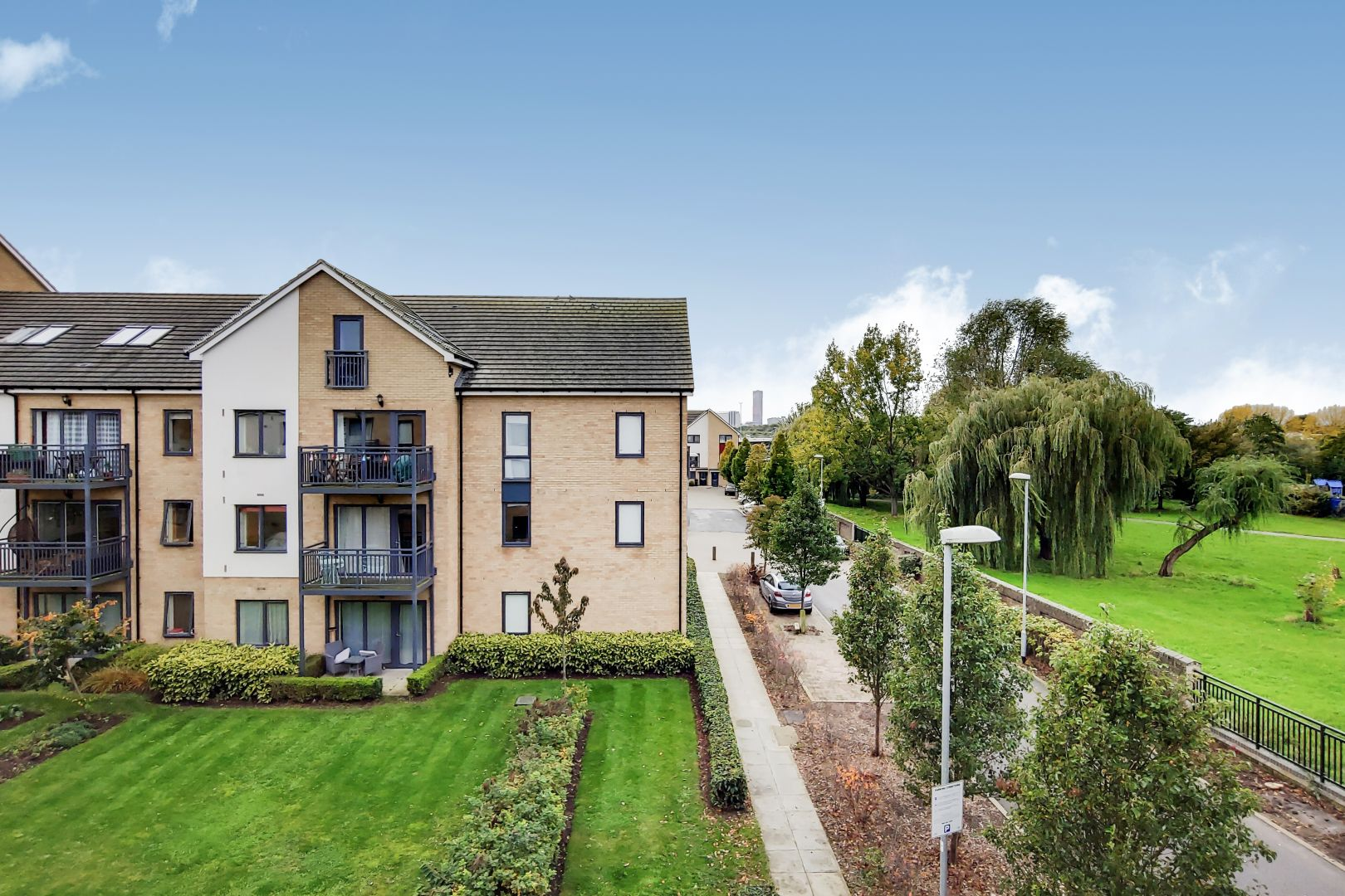 3 bed flat to rent in Watson Place  - Property Image 12