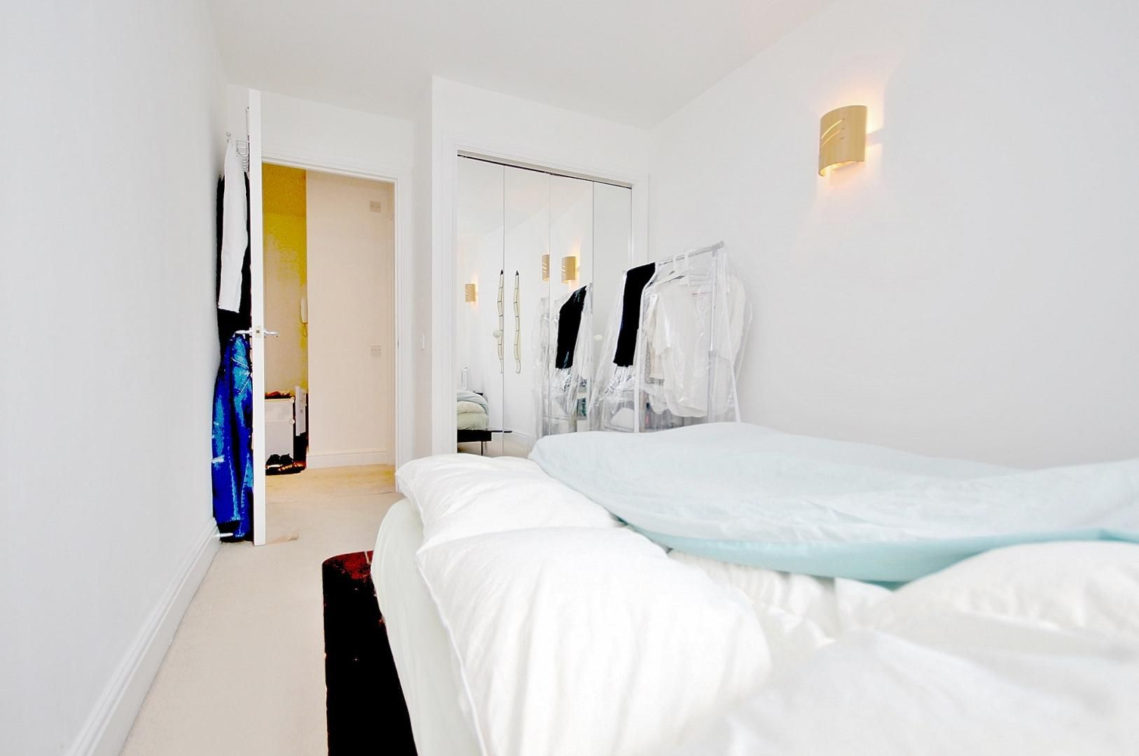 1 bed flat to rent in Colefax Building  - Property Image 3