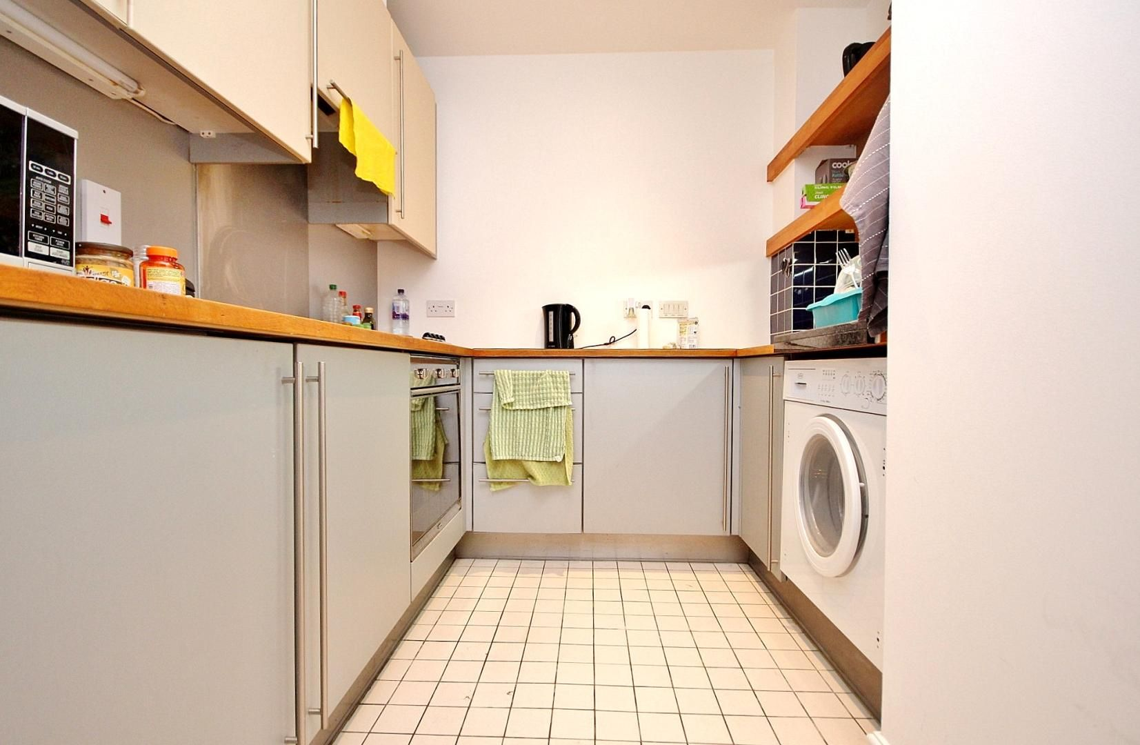 1 bed flat to rent in Colefax Building  - Property Image 5