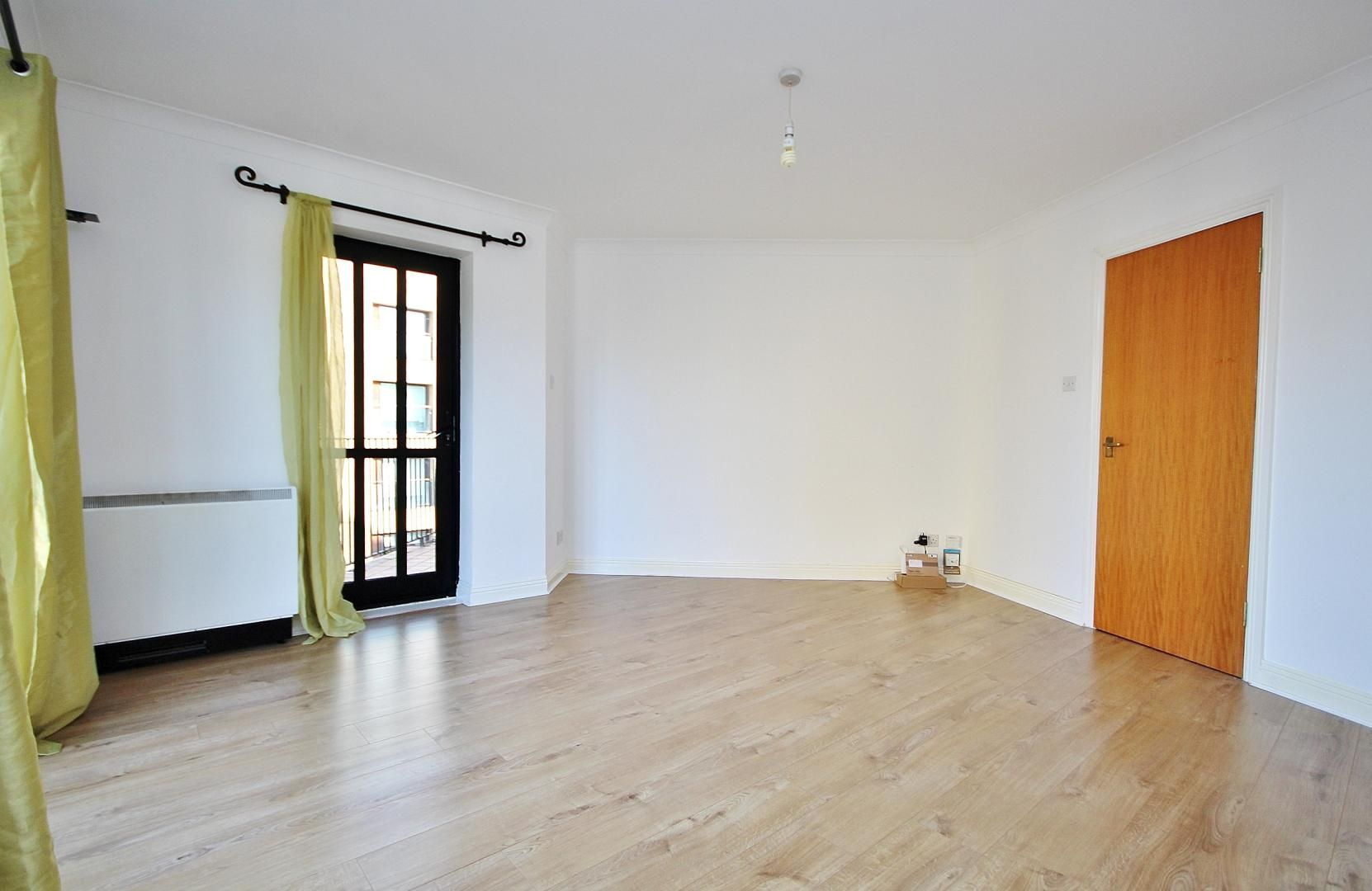 2 bed flat to rent in Brunel House  - Property Image 2