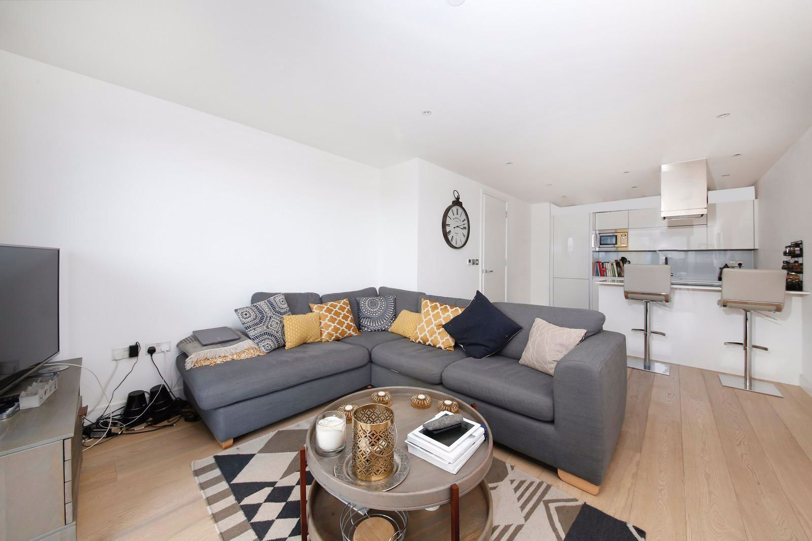 1 bed flat to rent in Kensington Apartments  - Property Image 2