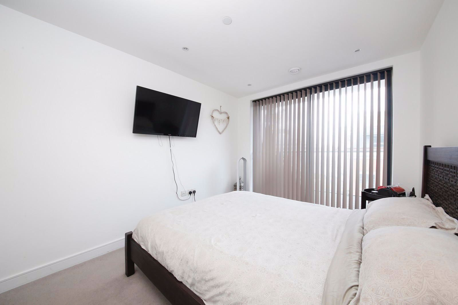 1 bed flat to rent in Kensington Apartments  - Property Image 8