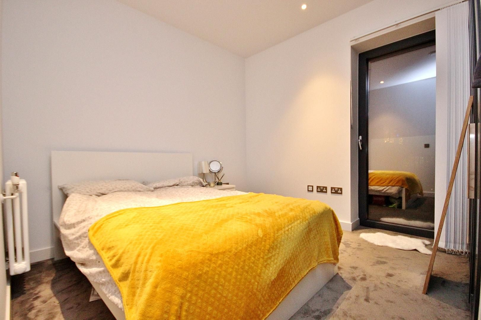 2 bed flat to rent in Modena House  - Property Image 5