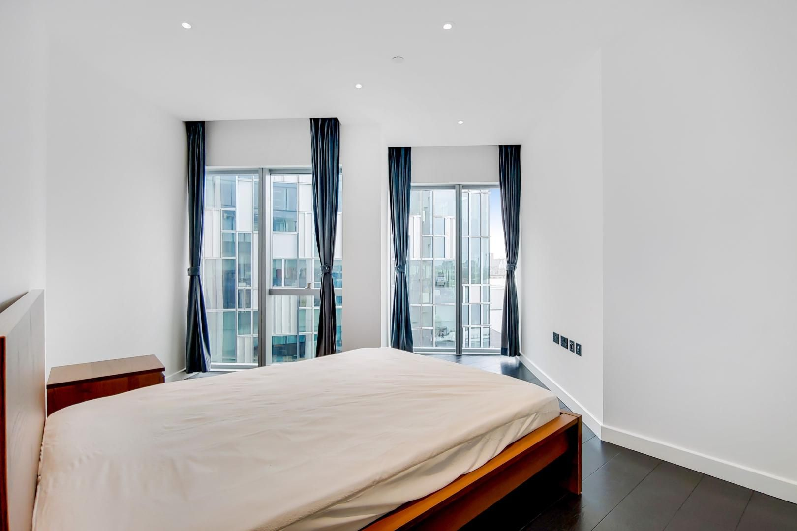 2 bed flat to rent in Building 2  - Property Image 8