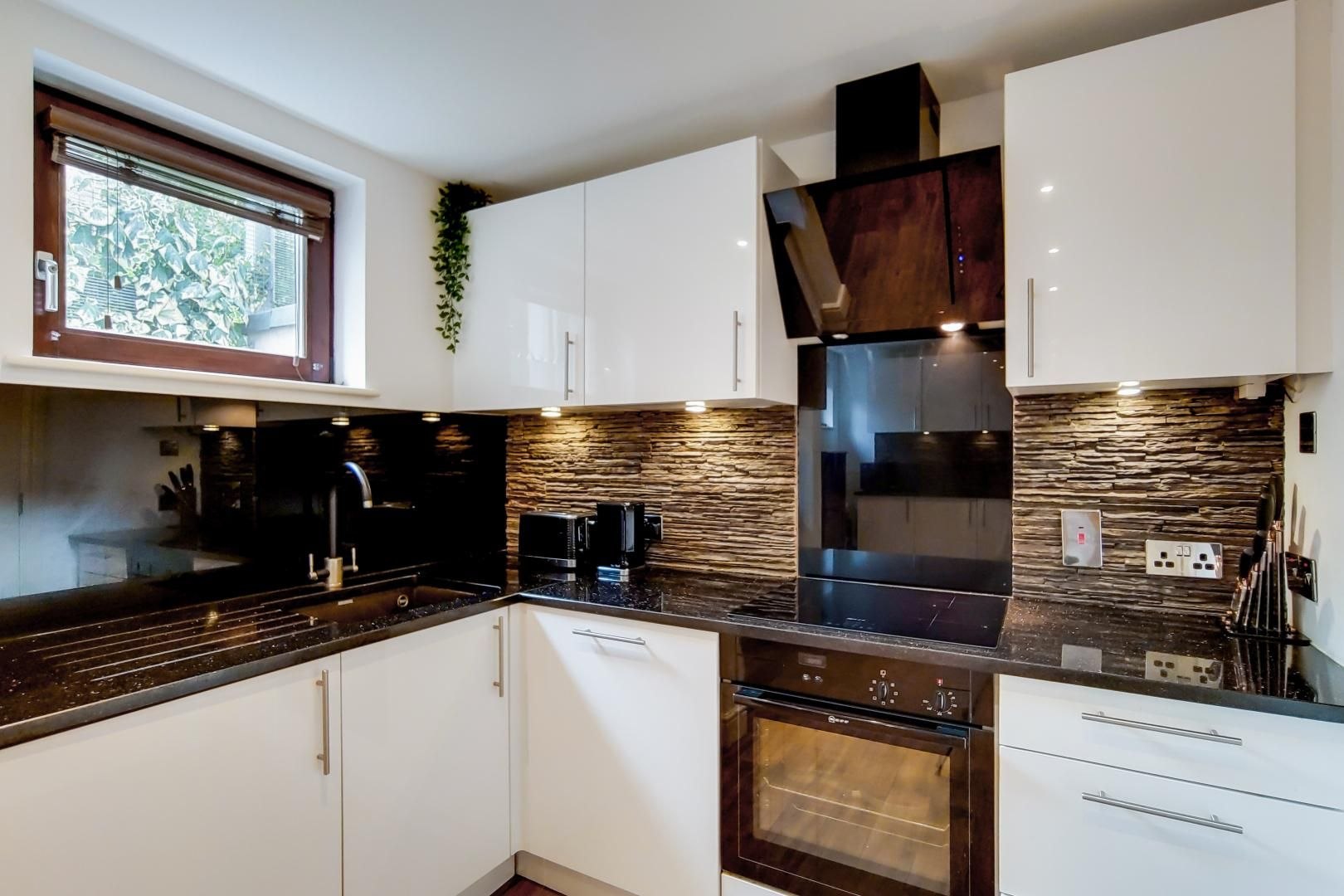 3 bed flat for sale in Naylor Building East, E1