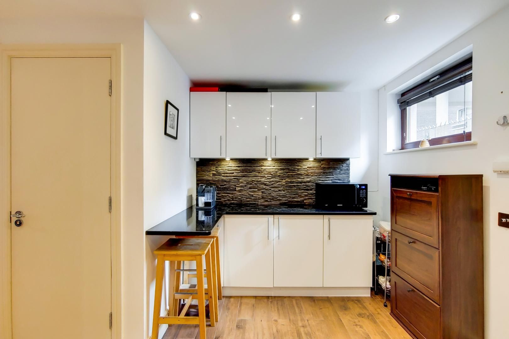 3 bed flat for sale in Naylor Building East  - Property Image 2