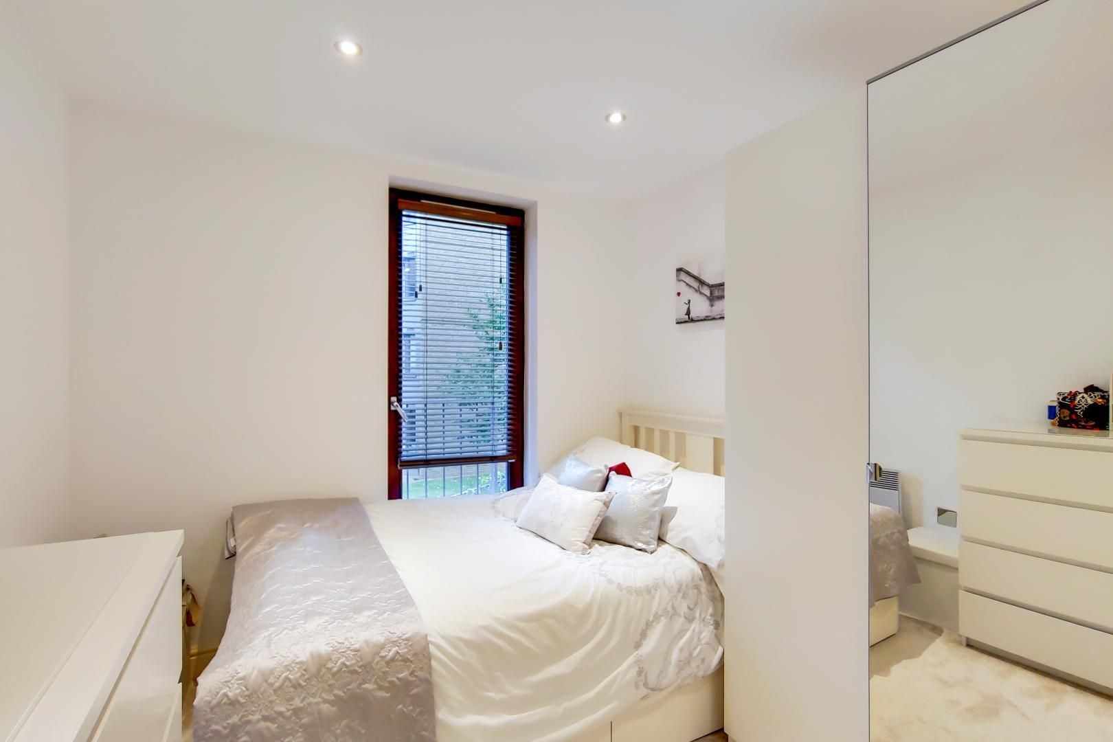 3 bed flat for sale in Naylor Building East  - Property Image 6