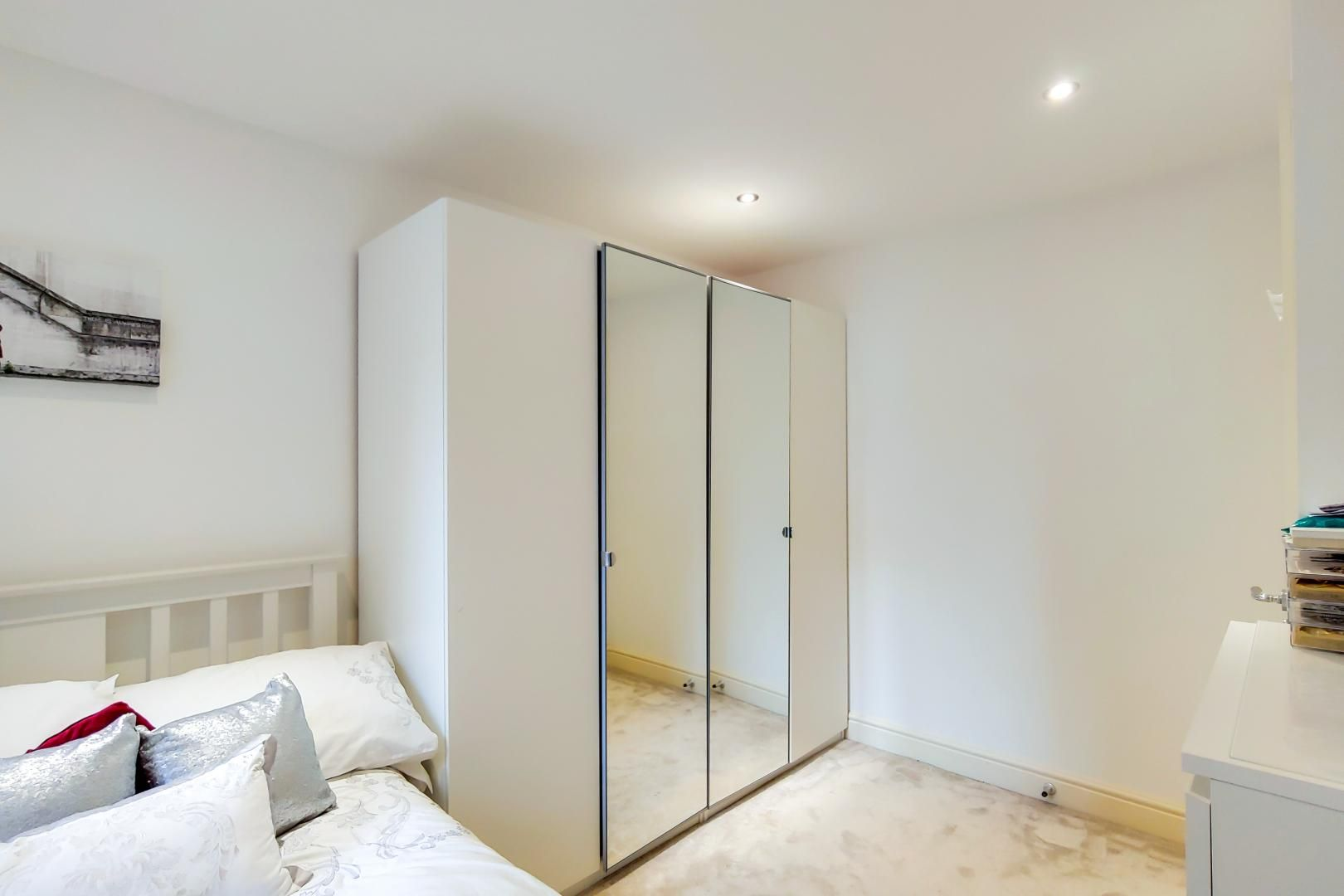 3 bed flat for sale in Naylor Building East  - Property Image 7