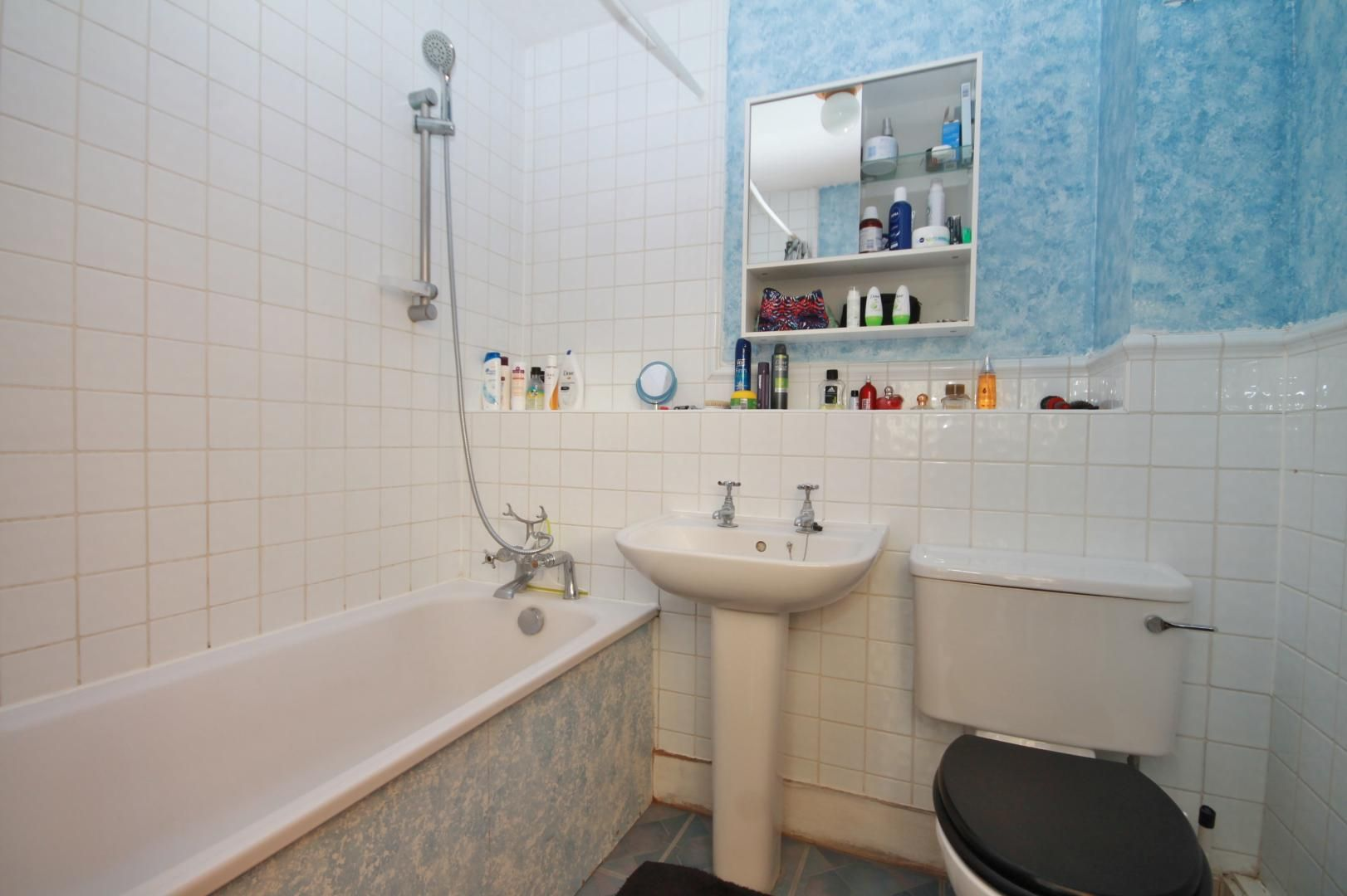 2 bed flat for sale in Taffrail House  - Property Image 11
