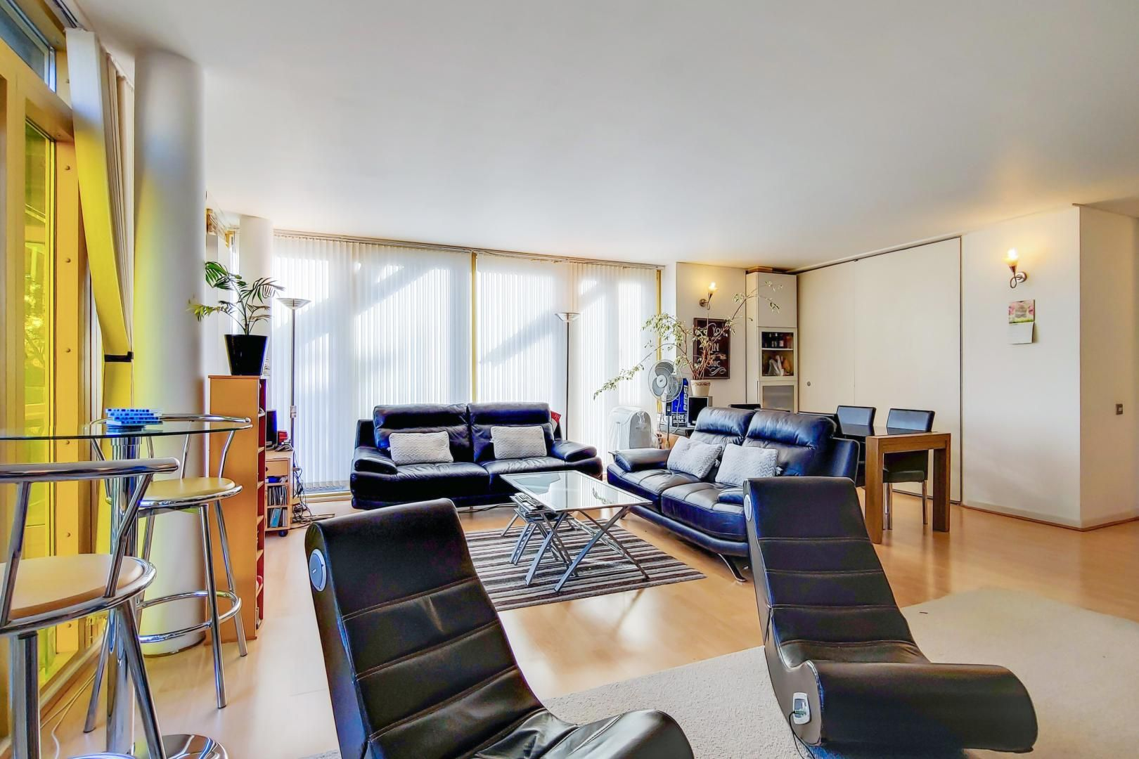 3 bed flat for sale in Becquerel Court - Property Image 1
