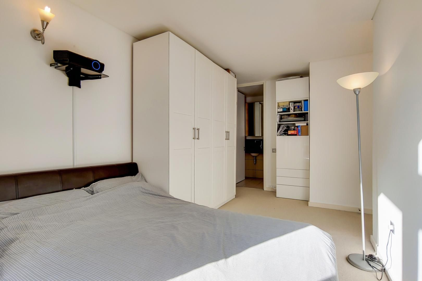 3 bed flat for sale in Becquerel Court  - Property Image 6