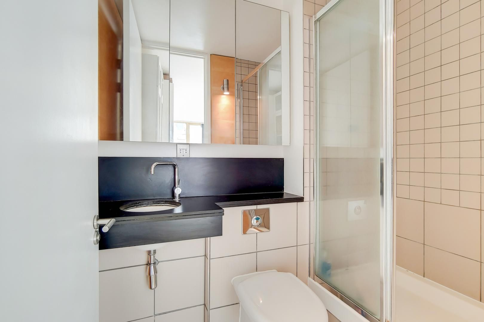 3 bed flat for sale in Becquerel Court  - Property Image 7
