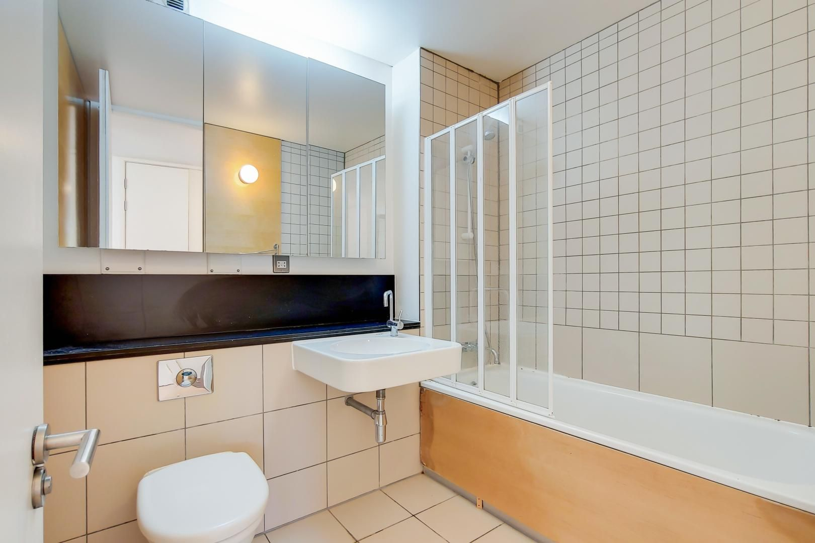 3 bed flat for sale in Becquerel Court  - Property Image 10