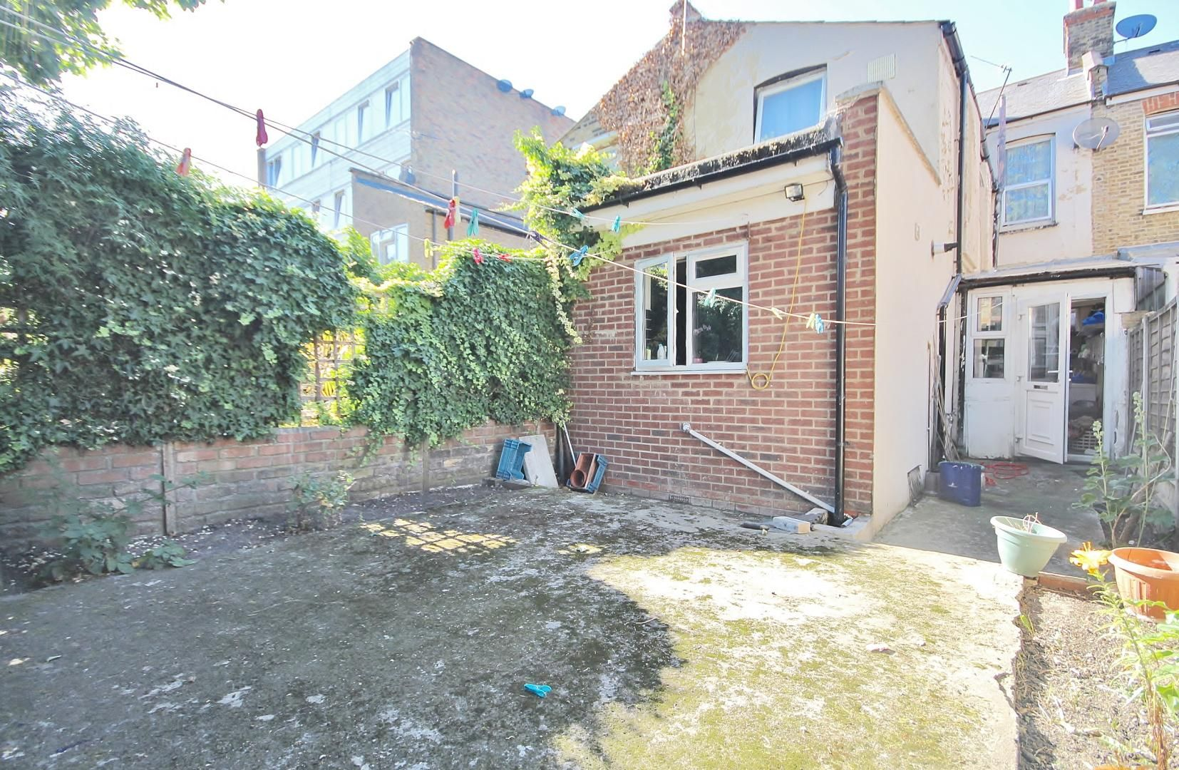 3 bed house for sale in Deanery Road, E15