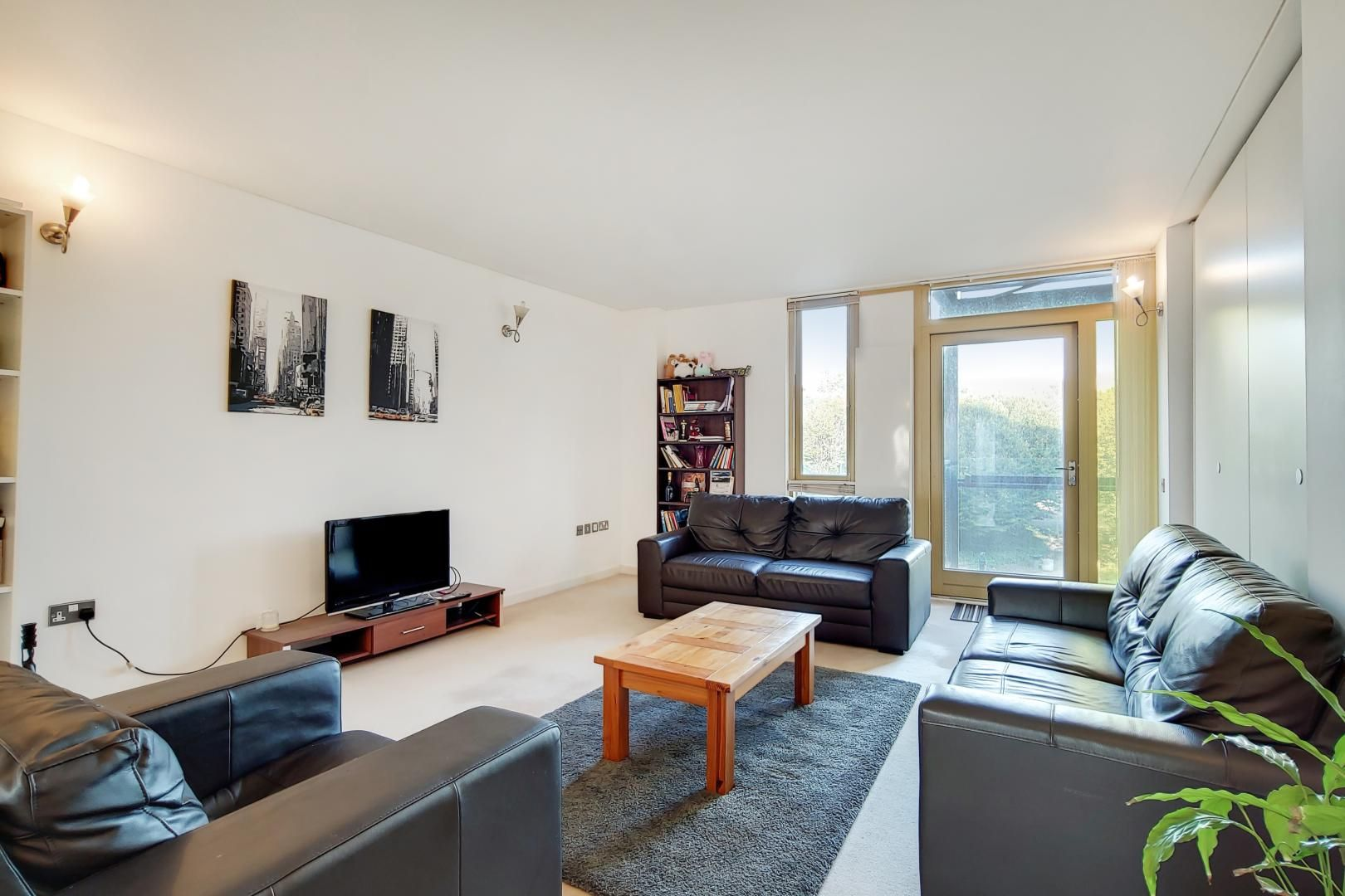 2 bed flat for sale in Becquerel Court - Property Image 1