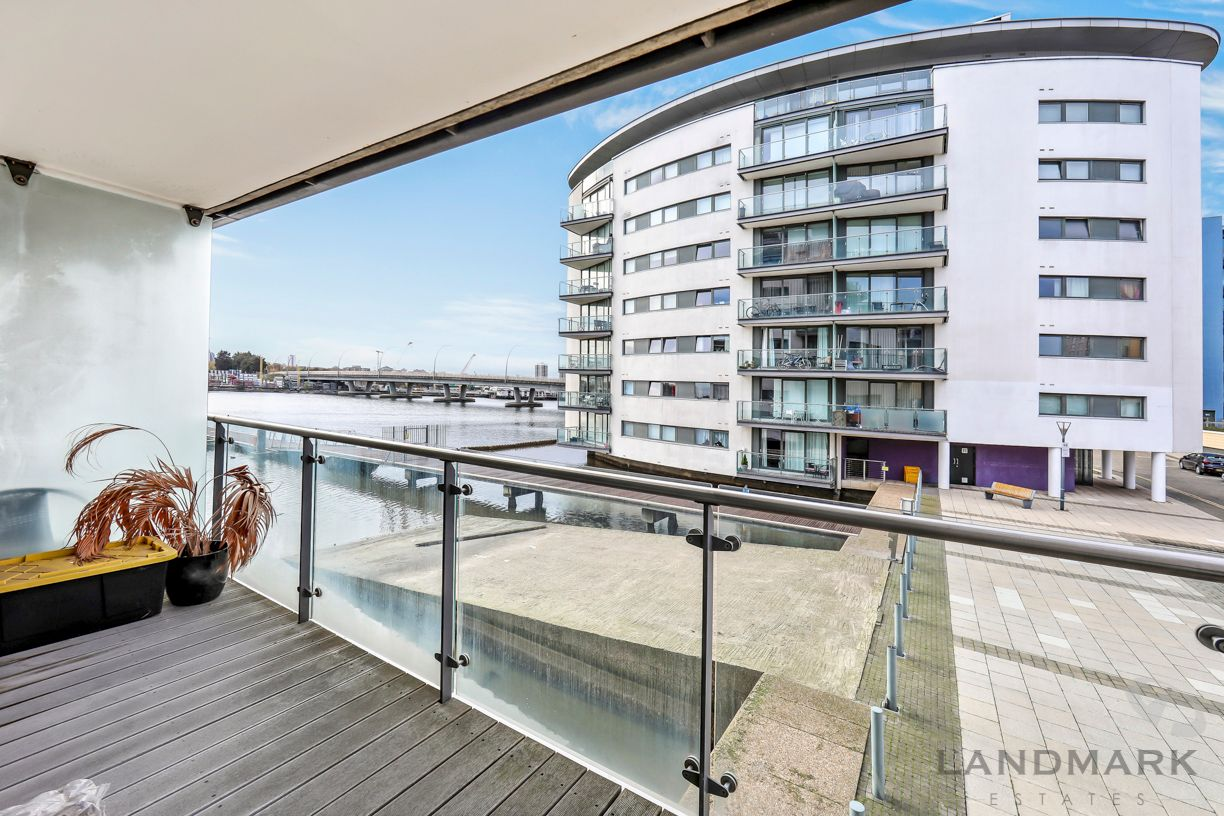 2 bed flat for sale in The Helm - Property Image 1
