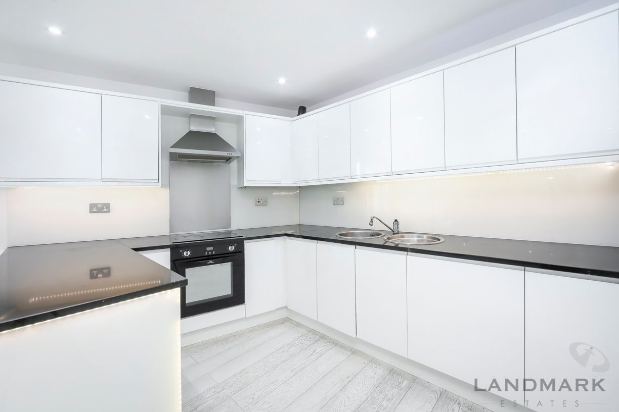 2 bed flat for sale in The Helm  - Property Image 8