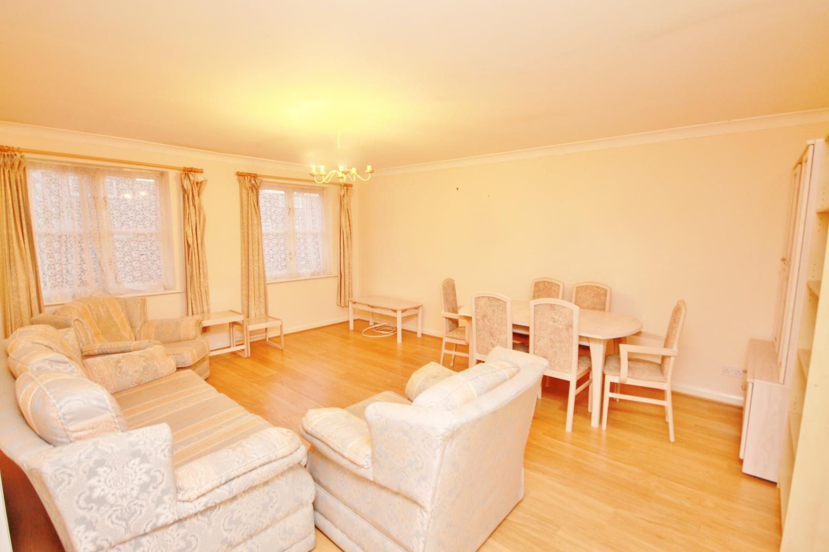 2 bed flat for sale in Whittington Mews  - Property Image 2