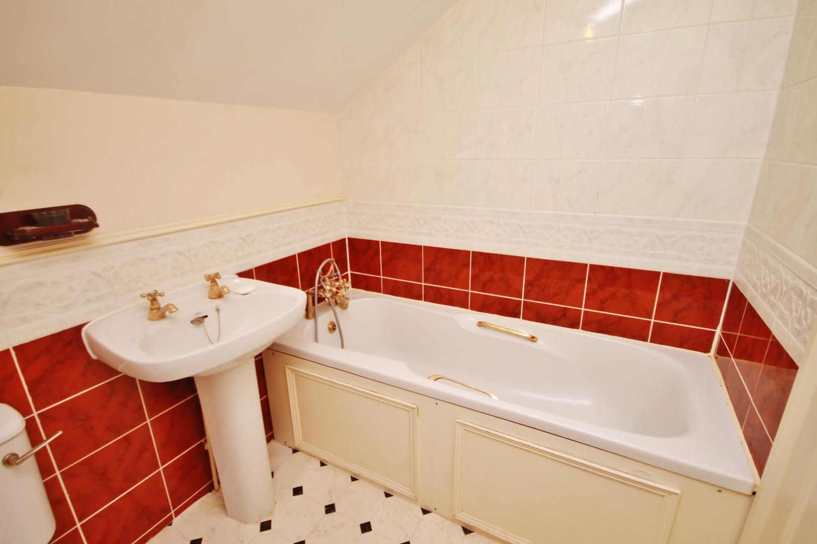 2 bed flat for sale in Whittington Mews  - Property Image 6