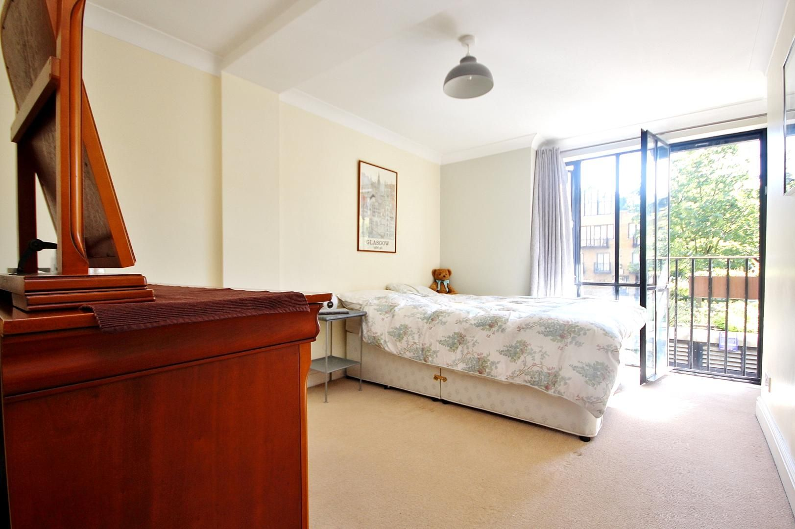 1 bed flat for sale in Taffrail House  - Property Image 3