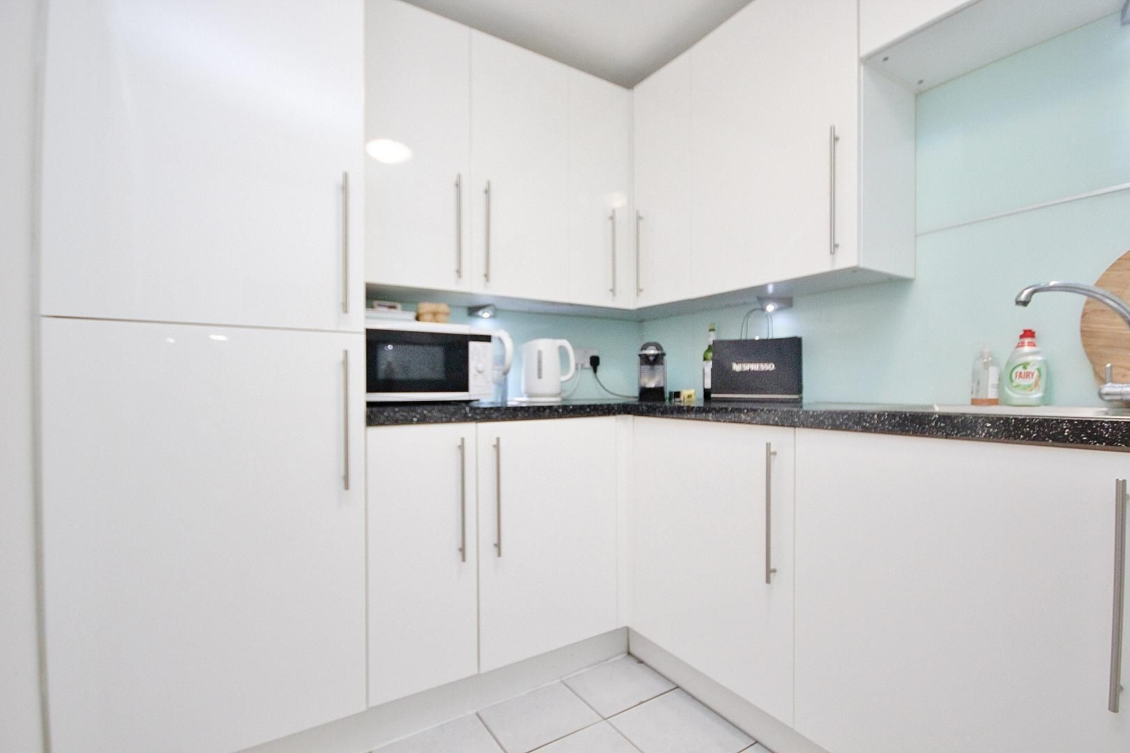 1 bed flat for sale in Taffrail House  - Property Image 5