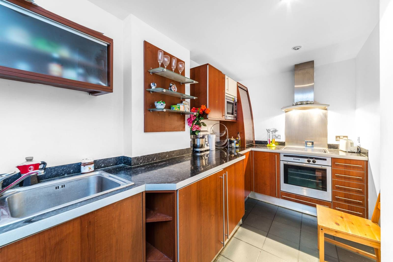 1 bed flat for sale in Nova Building  - Property Image 2