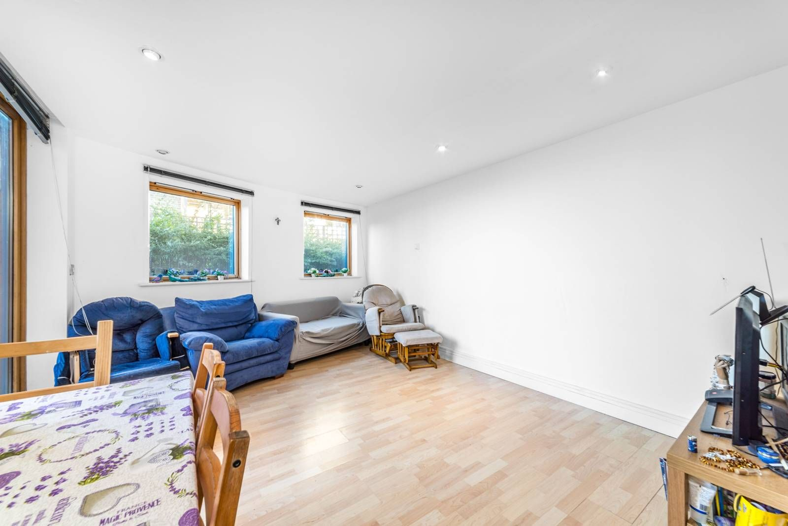 1 bed flat for sale in Nova Building  - Property Image 5