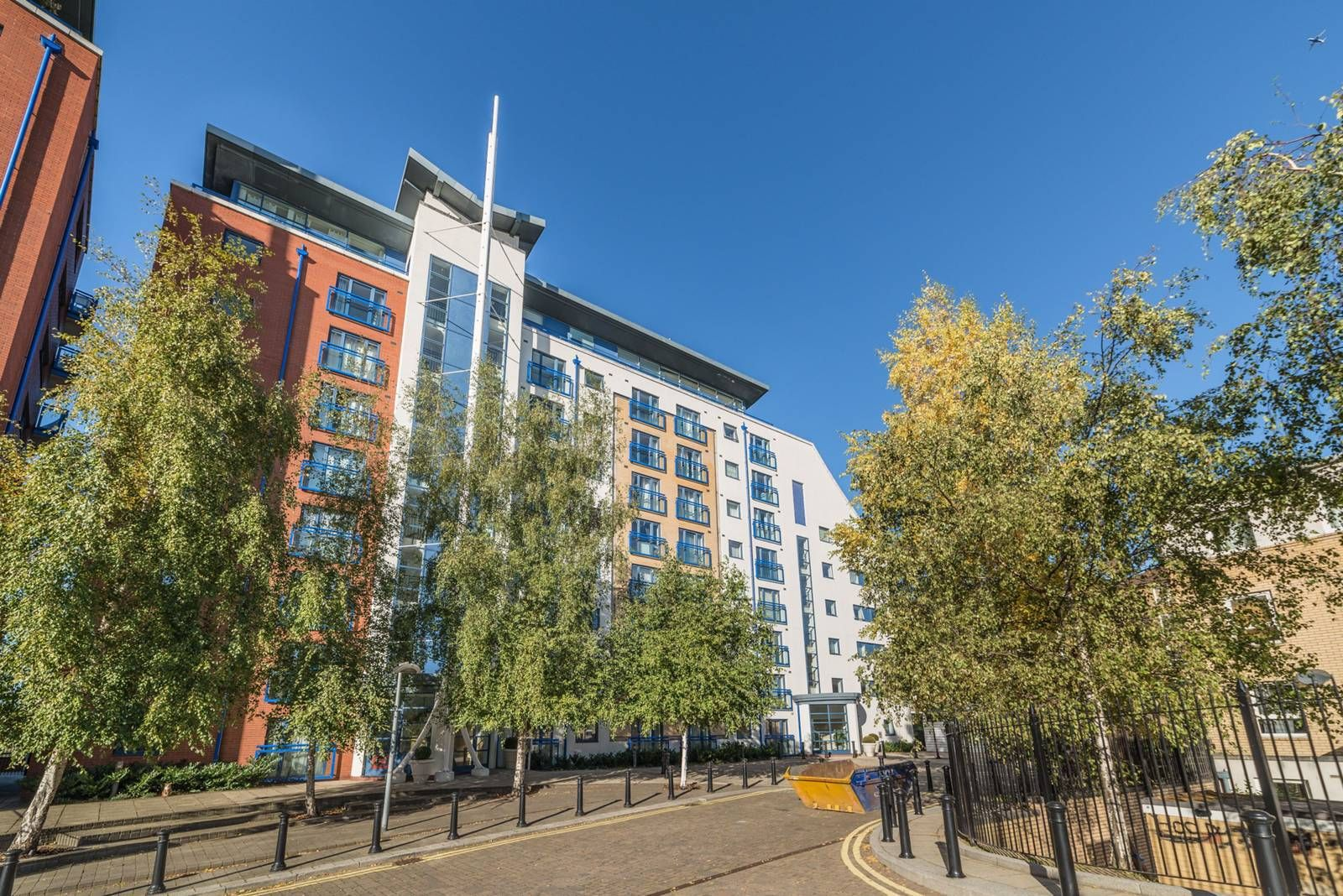 1 bed flat for sale in Nova Building  - Property Image 8