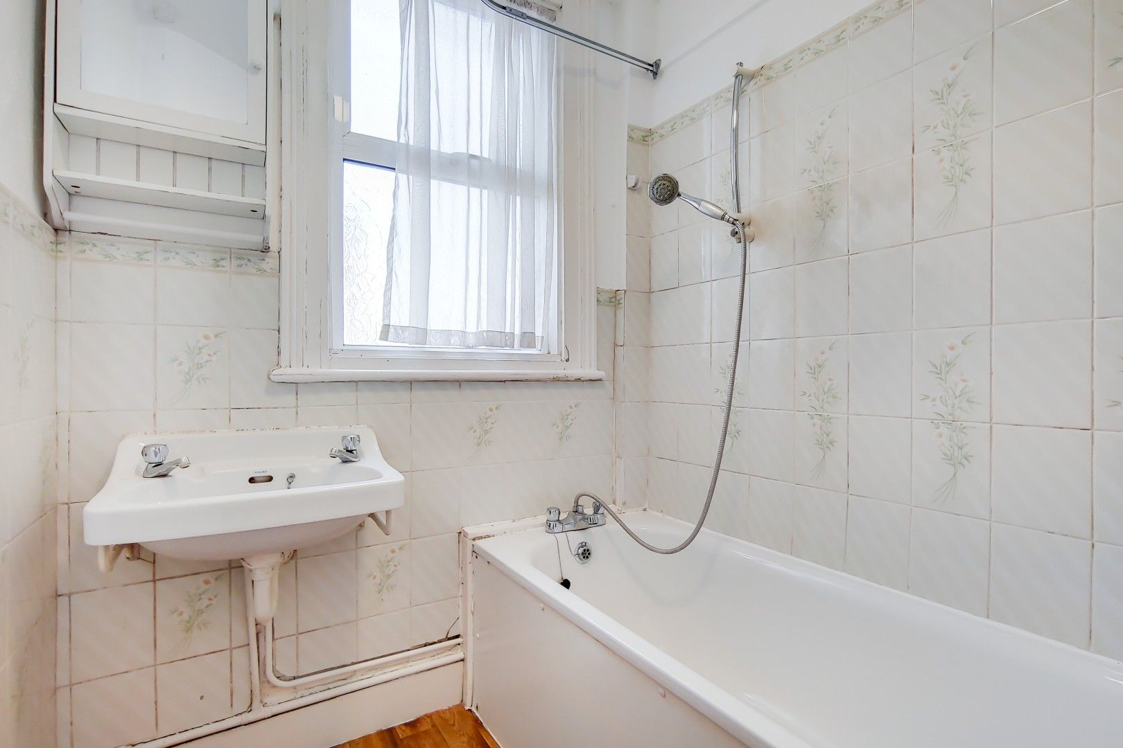 3 bed flat for sale in Portland Road  - Property Image 7