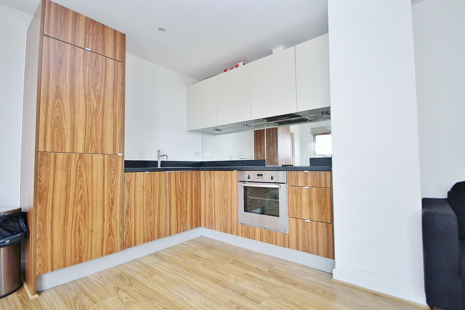 2 bed flat for sale in Schrier Ropeworks  - Property Image 2
