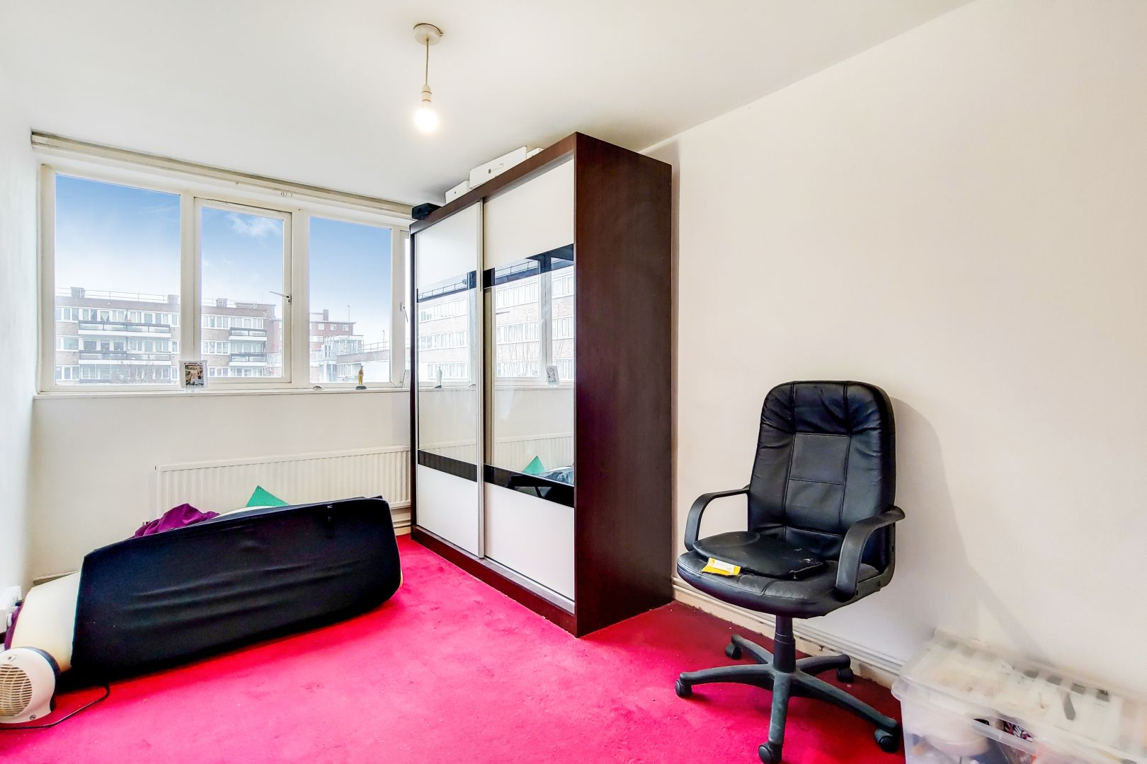 2 bed flat for sale in Clearbrook Way  - Property Image 4