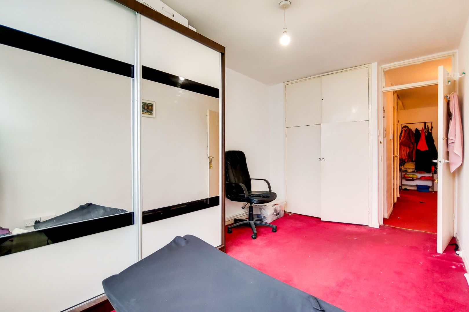 2 bed flat for sale in Clearbrook Way  - Property Image 5