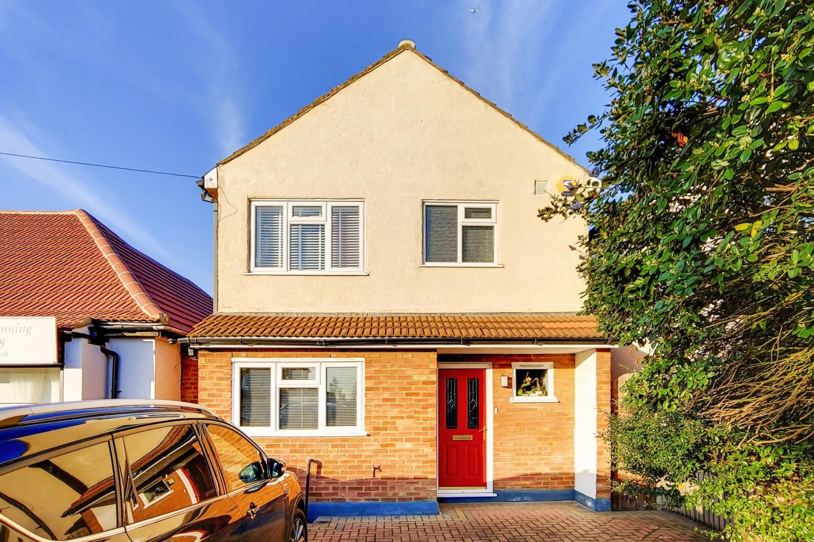 3 bed house for sale in Upminster Road North - Property Image 1