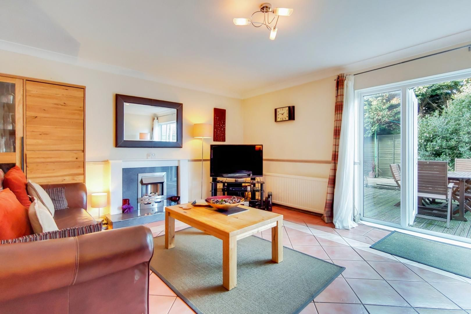 3 bed house for sale in Upminster Road North  - Property Image 2