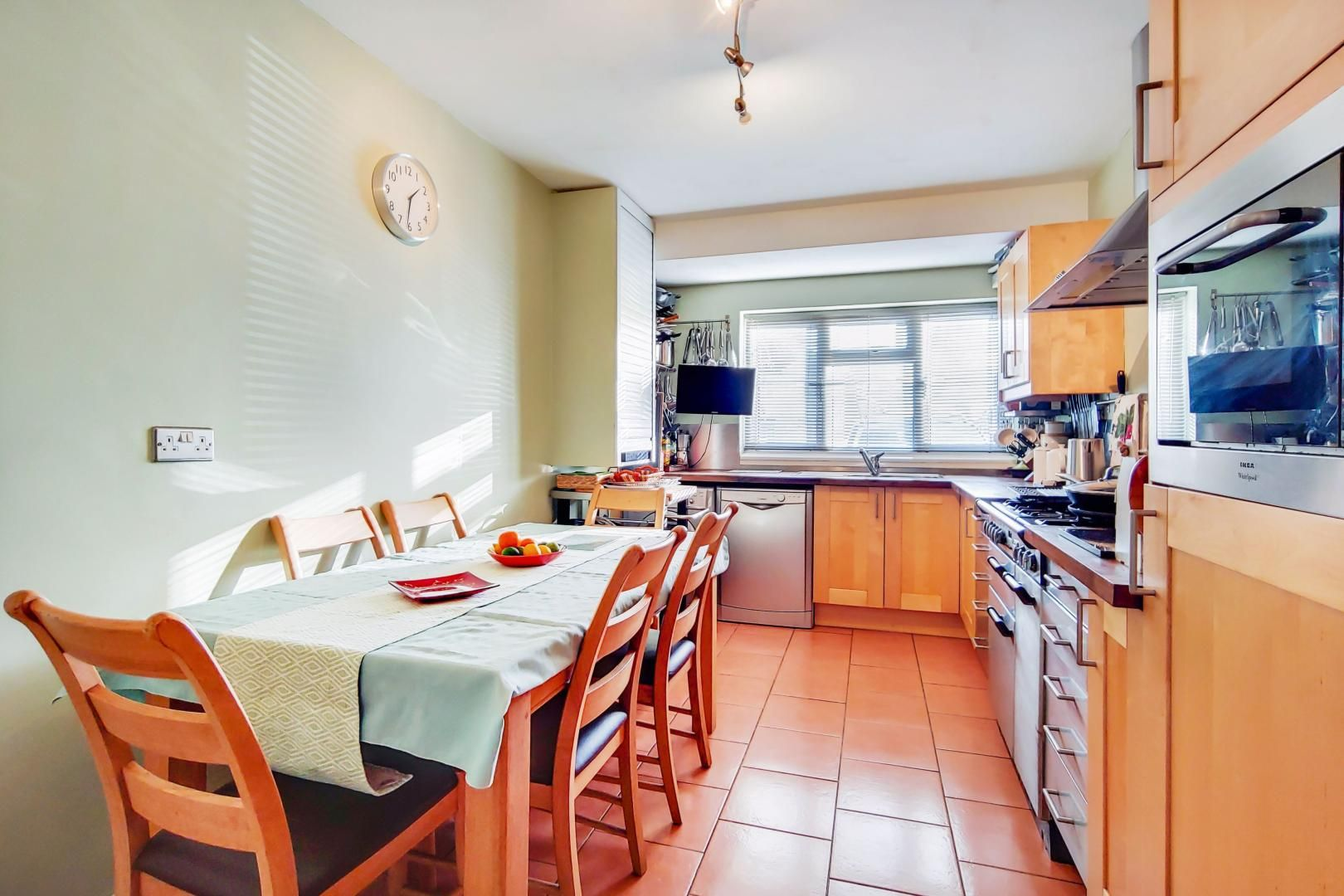 3 bed house for sale in Upminster Road North  - Property Image 4