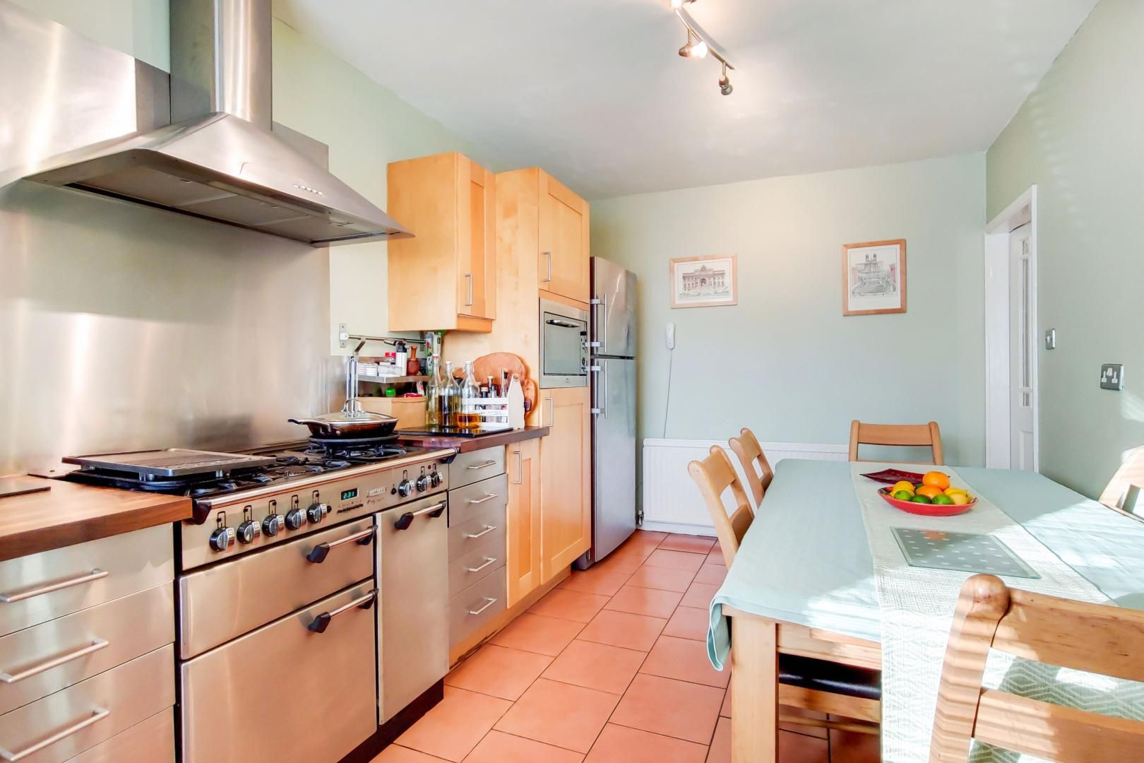 3 bed house for sale in Upminster Road North  - Property Image 5