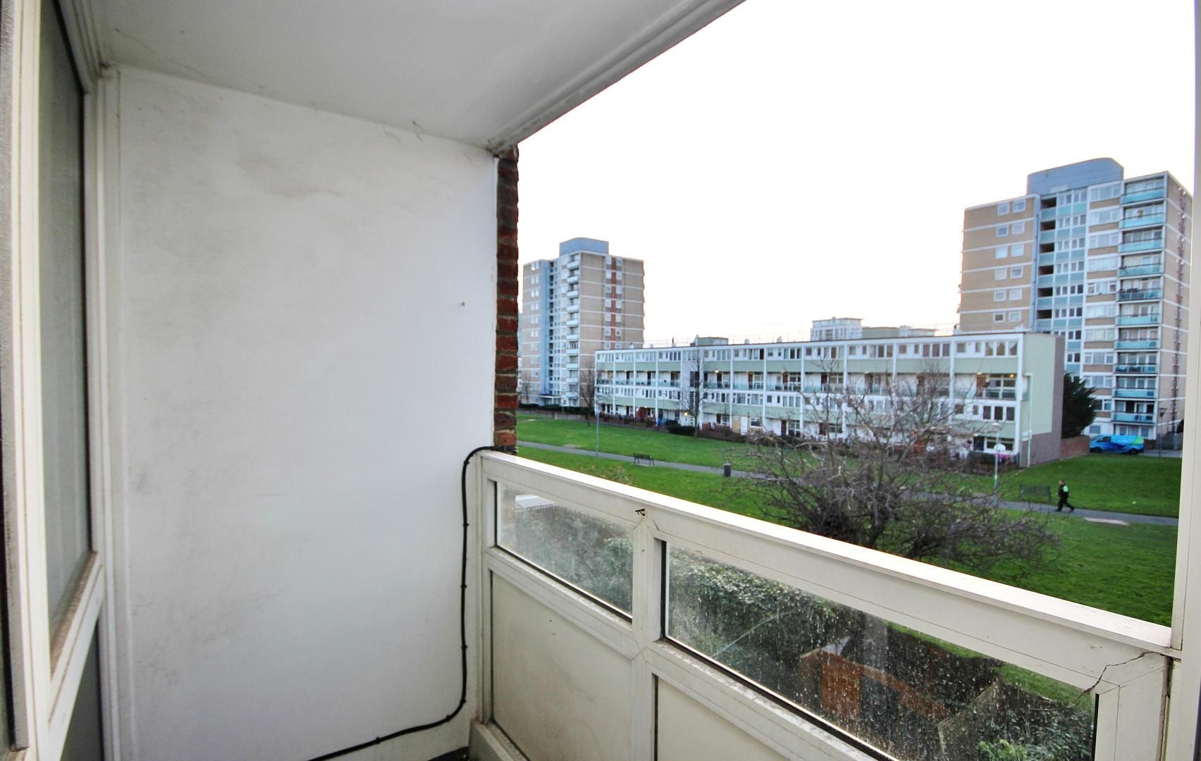 3 bed flat for sale in Carmen Street  - Property Image 2