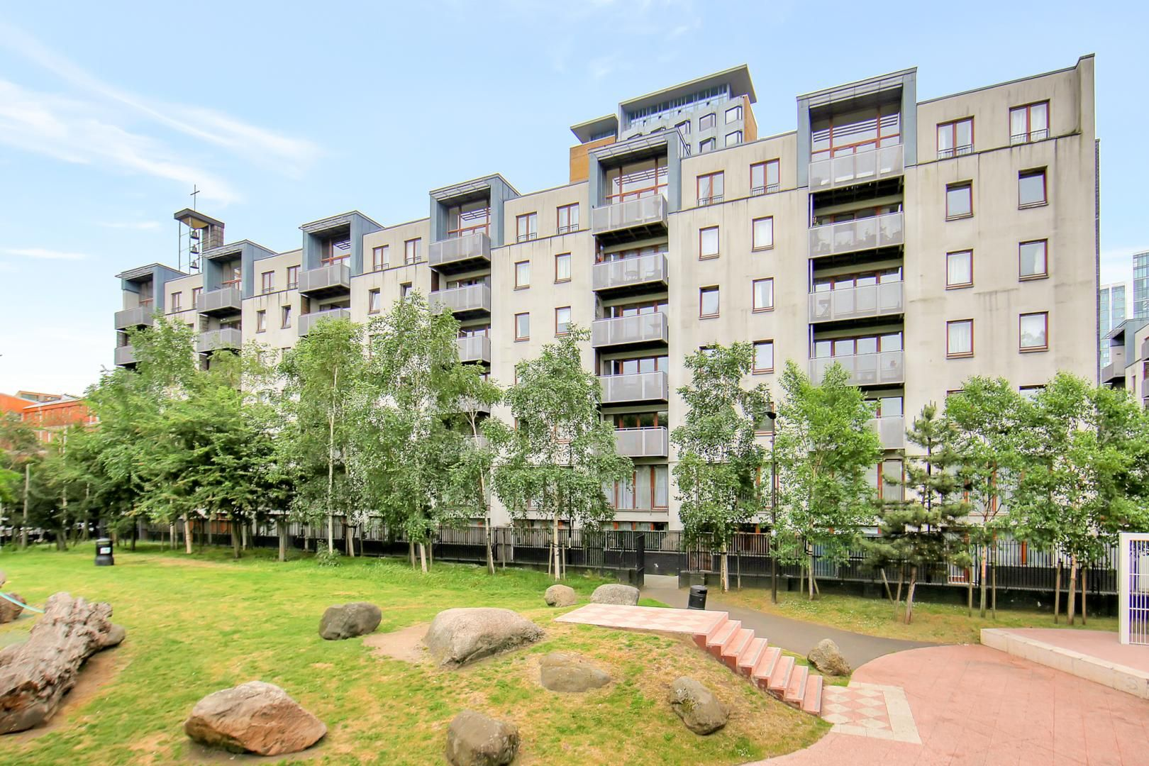 2 bed flat to rent in Naylor Building West - Property Image 1