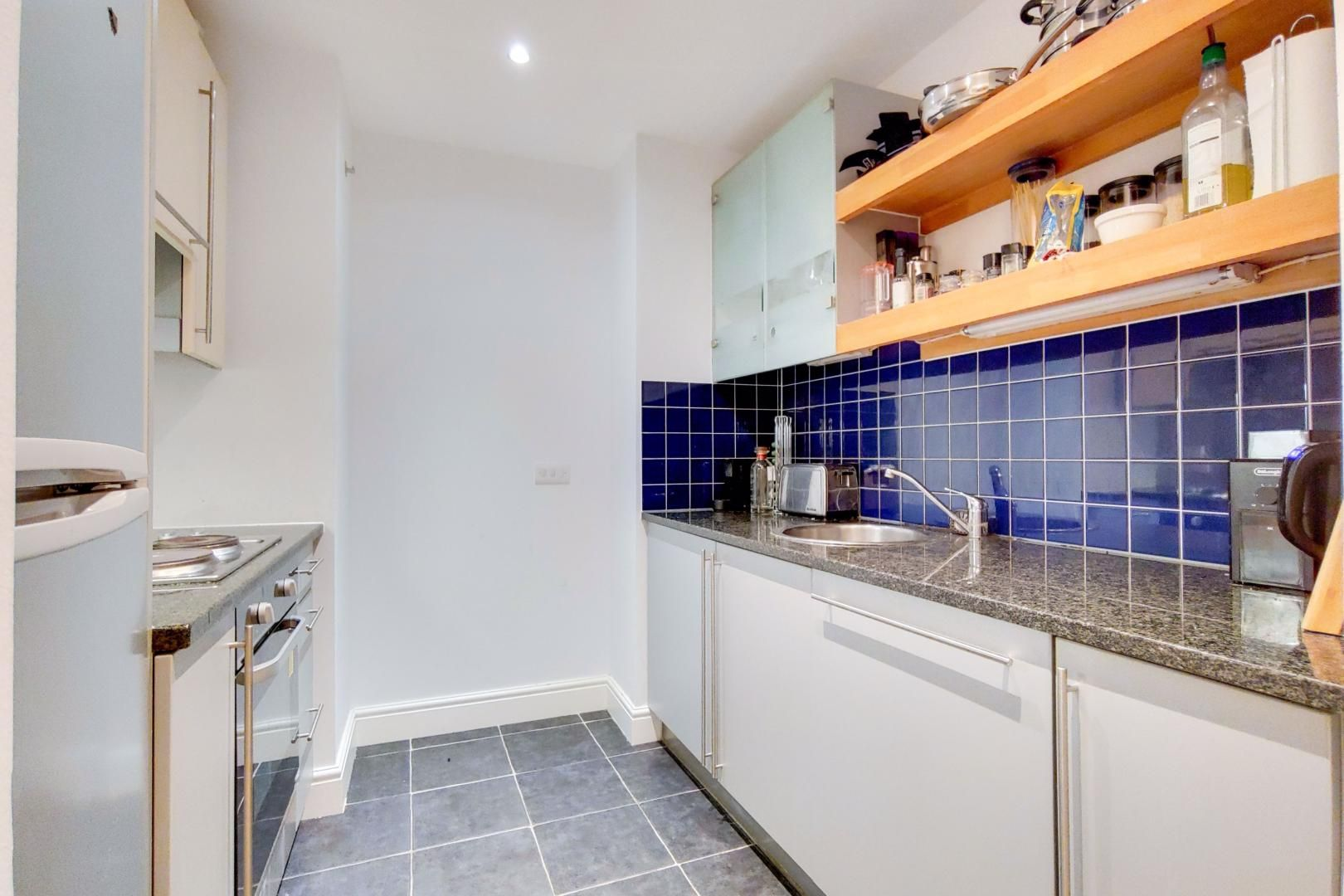 2 bed flat for sale in Naylor Building West  - Property Image 3