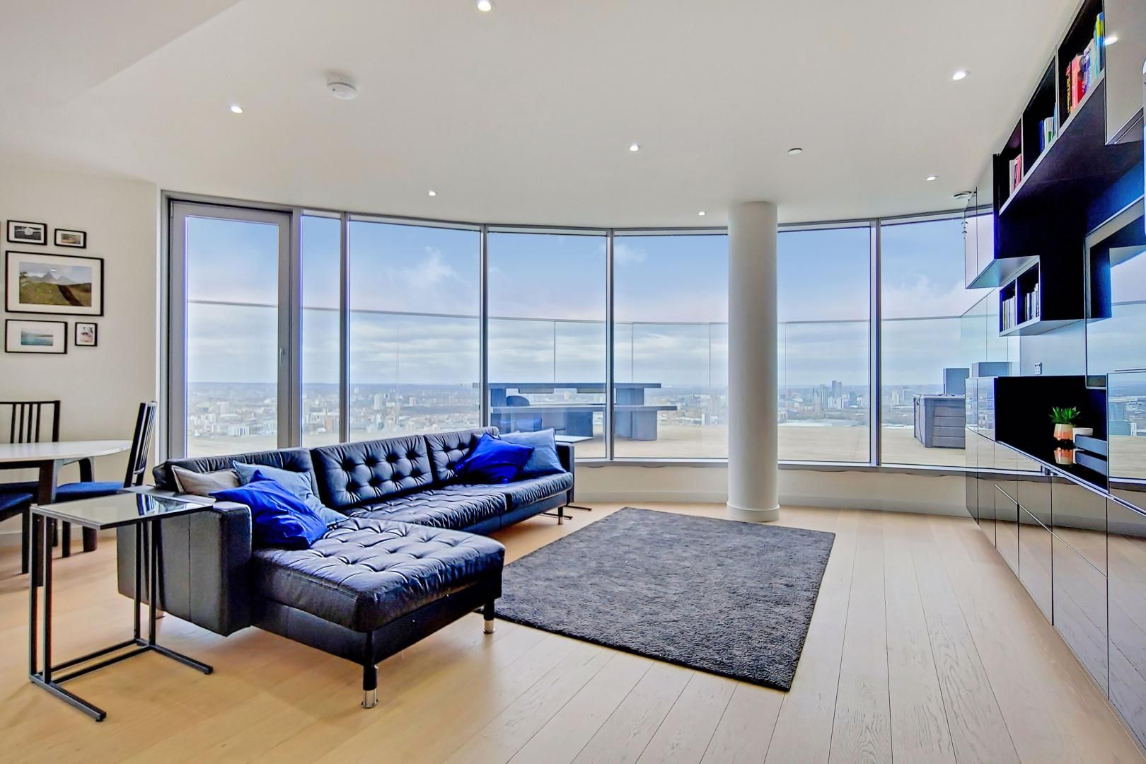 2 bed flat for sale in Charrington Tower, E14
