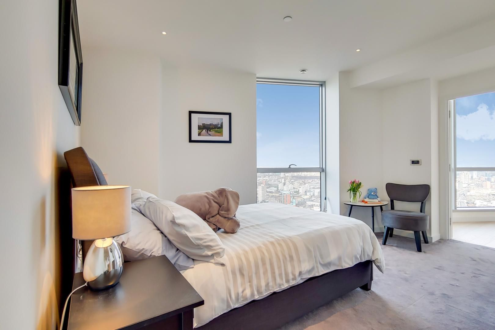 2 bed flat for sale in Charrington Tower  - Property Image 11