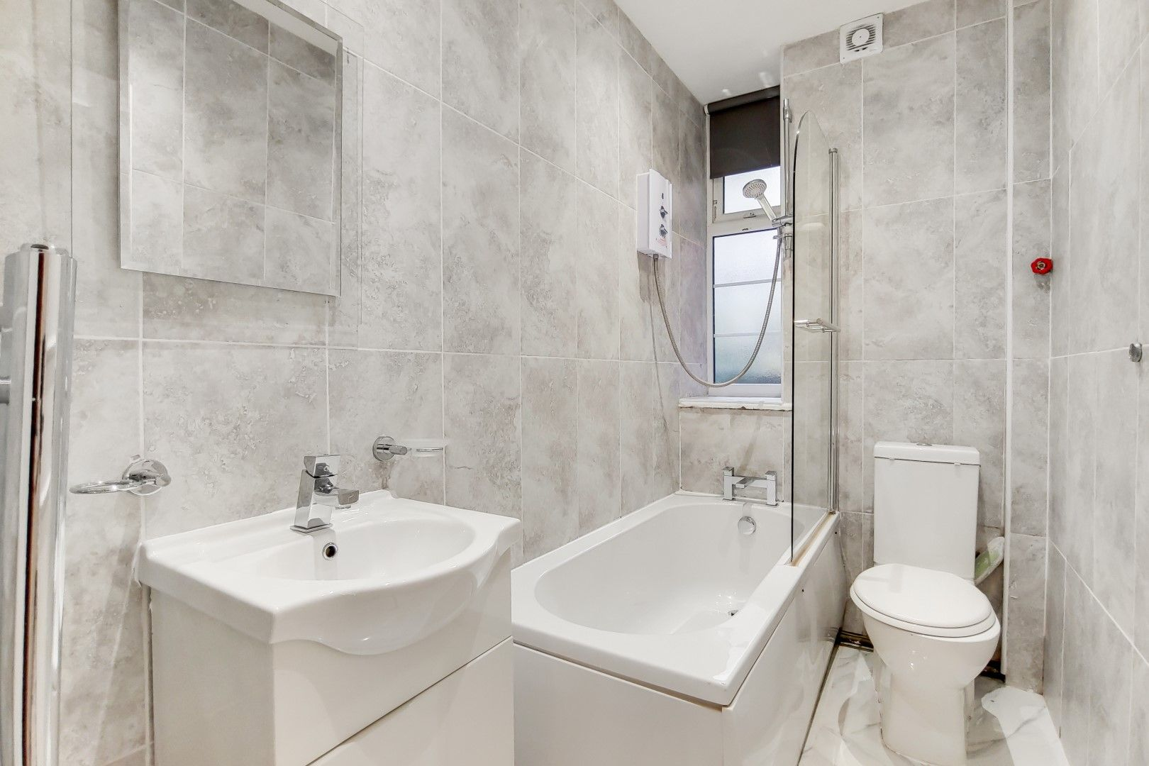 2 bed flat to rent in Bevan House  - Property Image 11