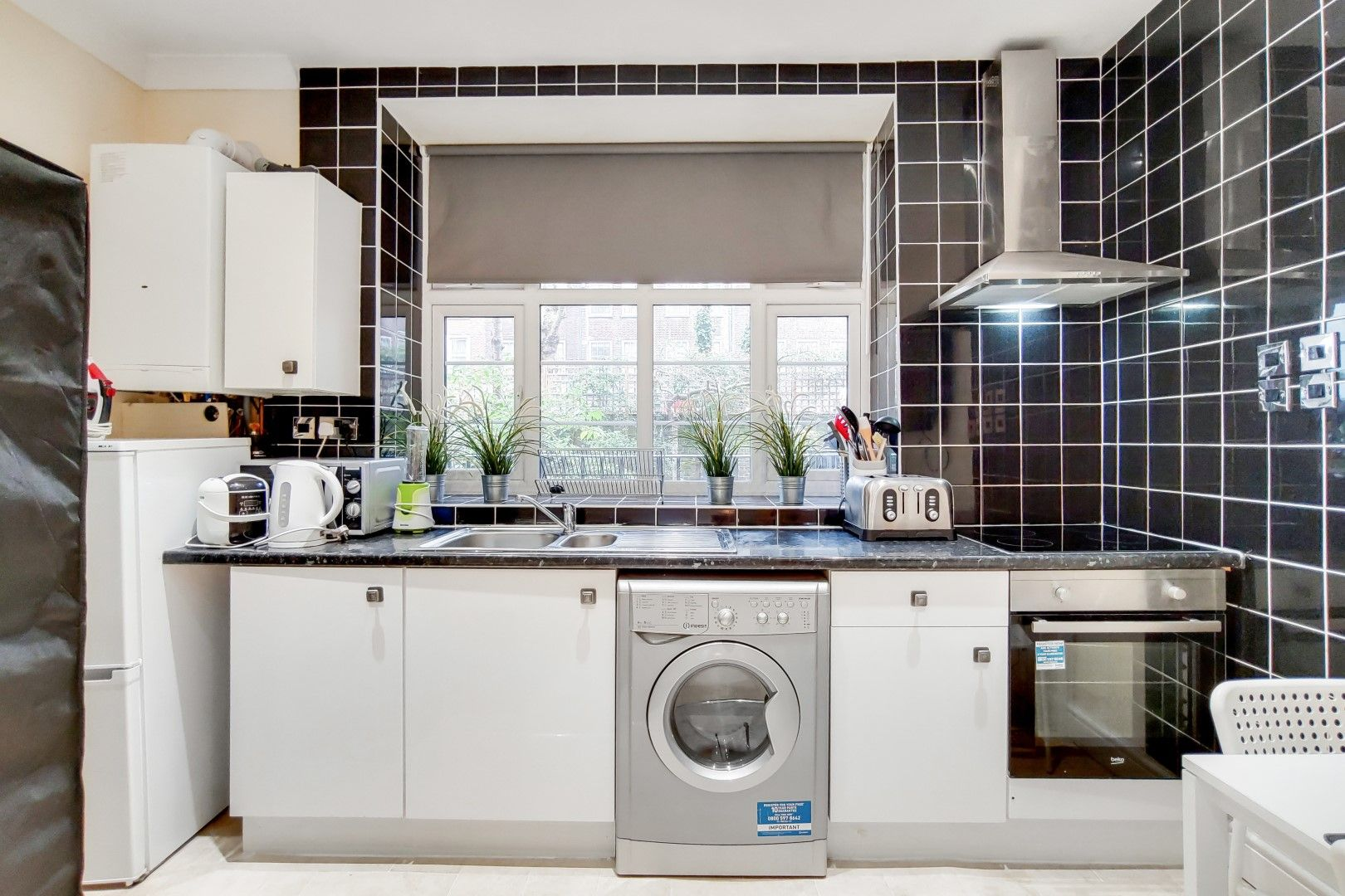 2 bed flat to rent in Bevan House  - Property Image 3