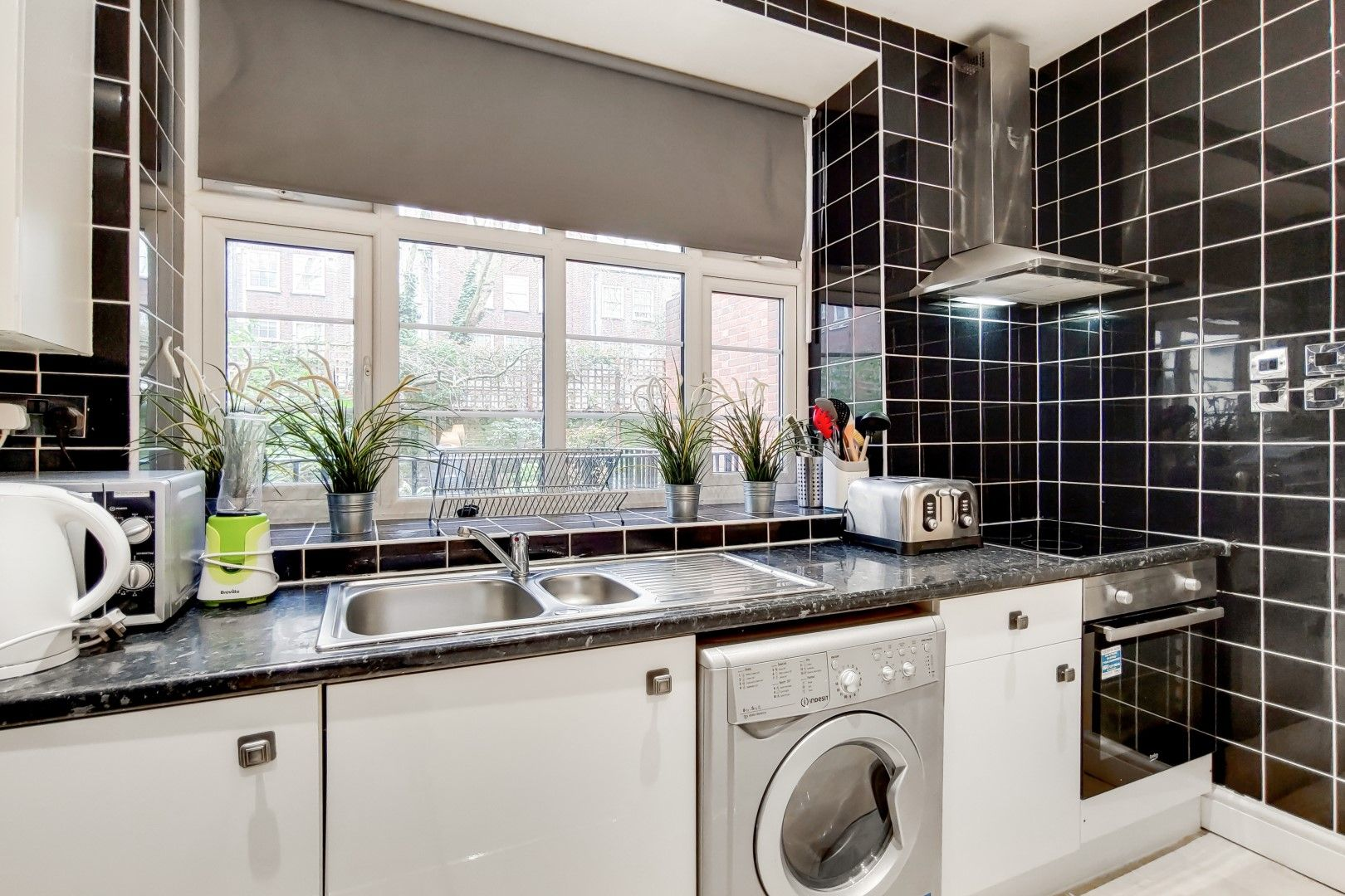 2 bed flat to rent in Bevan House  - Property Image 5