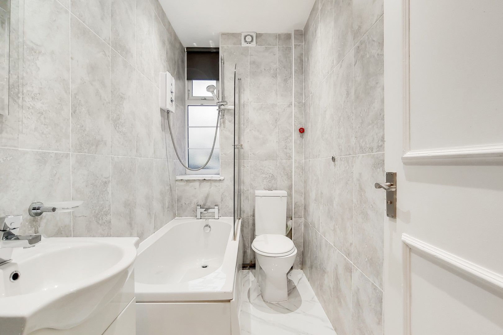 2 bed flat to rent in Bevan House  - Property Image 10