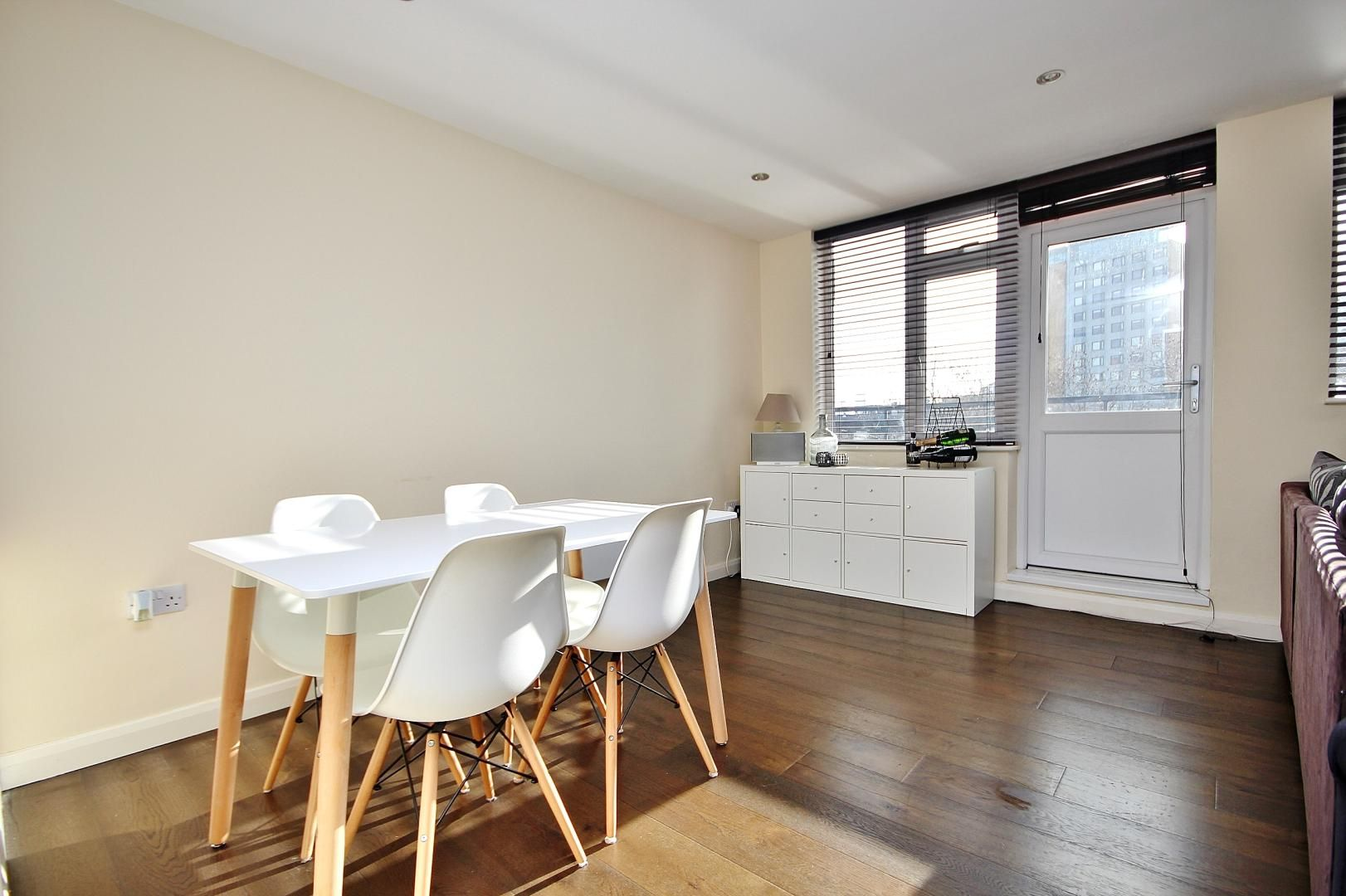 2 bed flat to rent in E1 Studios  - Property Image 2