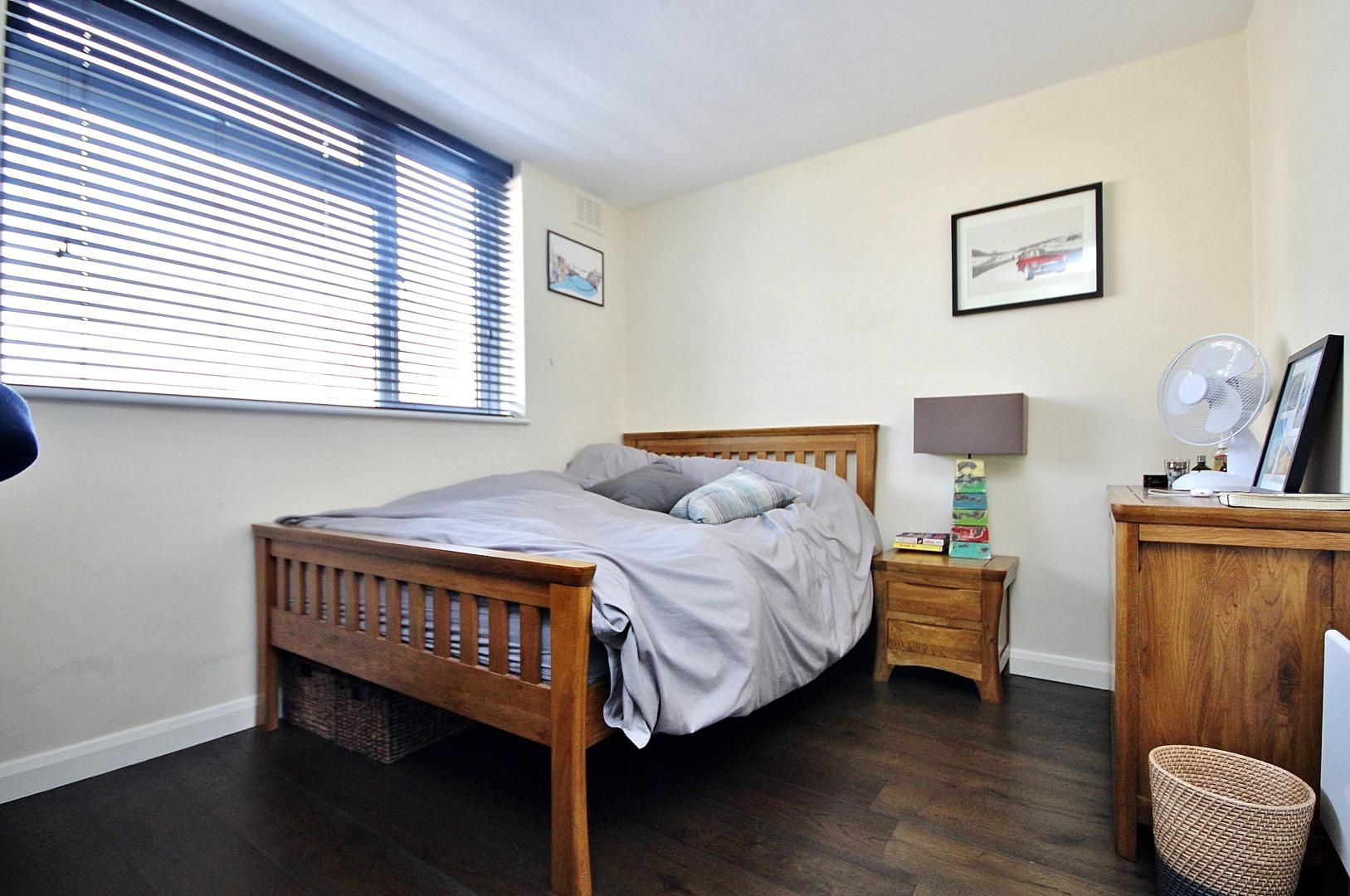 2 bed flat to rent in E1 Studios  - Property Image 4