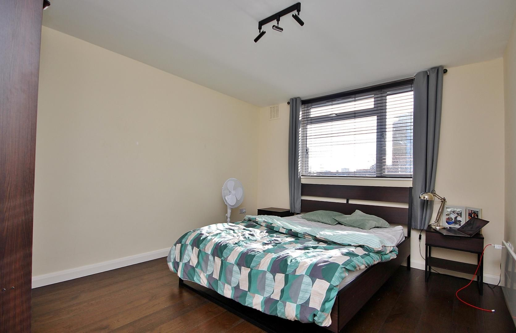 2 bed flat to rent in E1 Studios  - Property Image 5