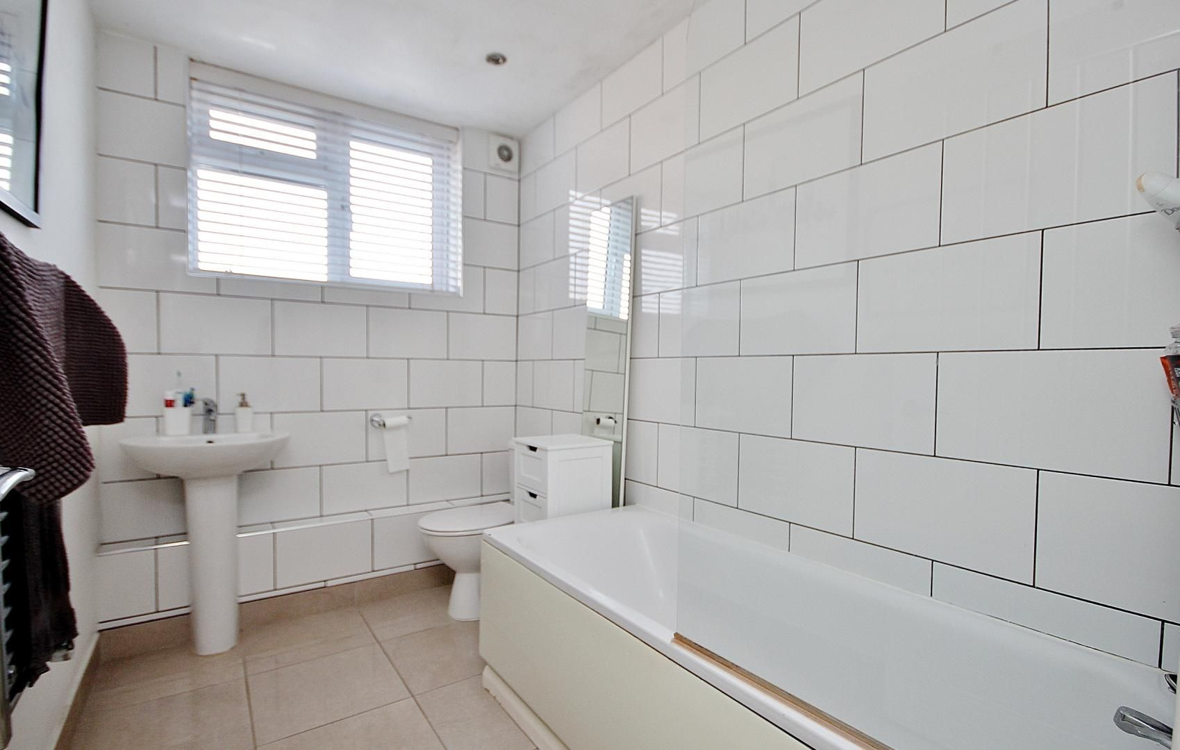 2 bed flat to rent in E1 Studios  - Property Image 6